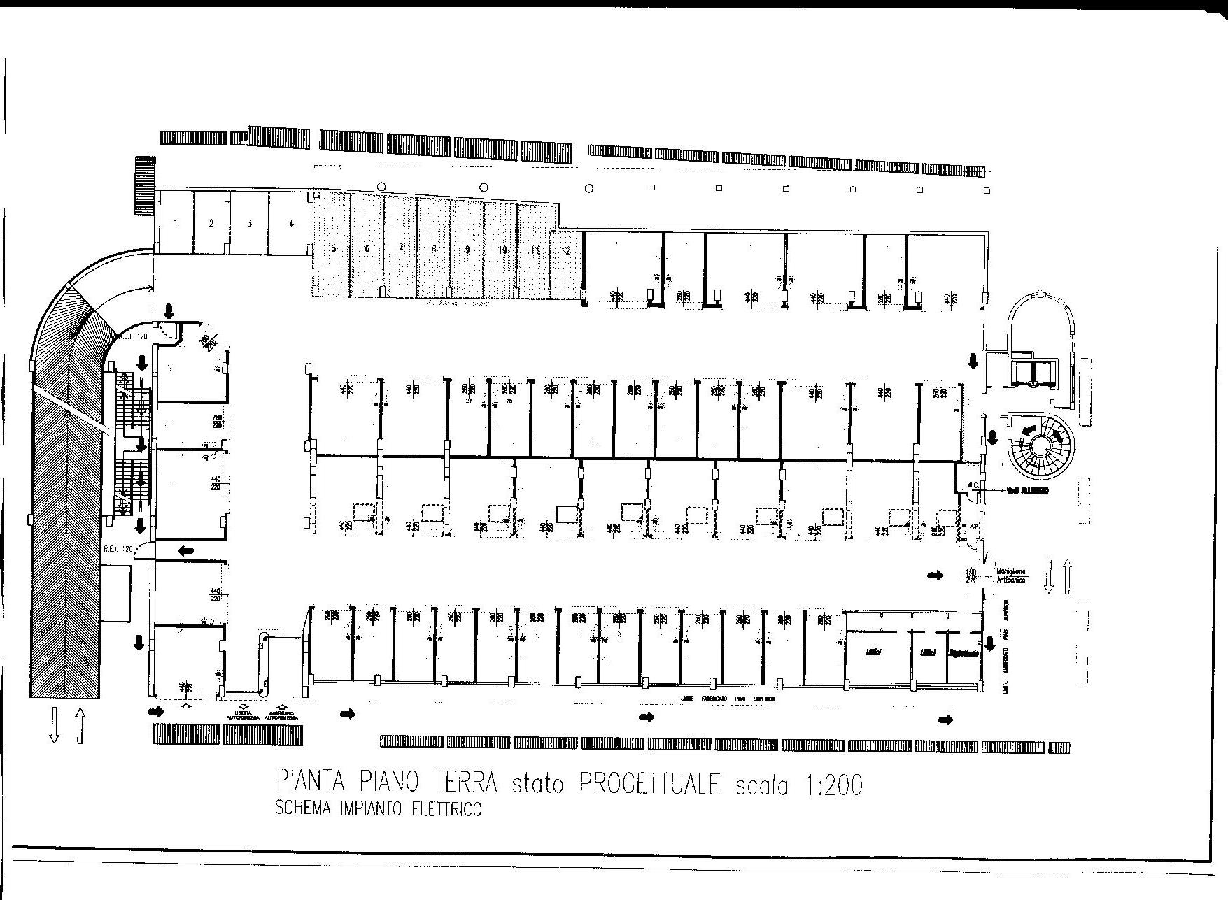 Agenzia immobiliare le torri nevegal box auto in vendita for Due box auto con posto auto coperto